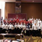 Ketua Pengwil Jawa Barat INI,Irfan Ardiansyah,SH,SpN,LLM foto bersama jajaran Panpel dan peserta Magang usai memberikan pengarahan