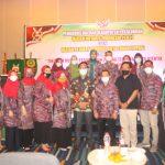 Foto bersama Panitia Seminar Pengurus Daerah INI - IPPAT Kabupaten Pekalongan bersama Narasumber