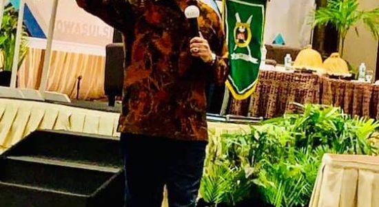 Ketua Pengwil Jawa Tengah INI, Dr. Widhi Handoko,SH,SpN Saat Menjadi Narasumber Di Acara Simposium Nasional Di Makasar Sulawesi Selatan Beberapa Waktu Lalu